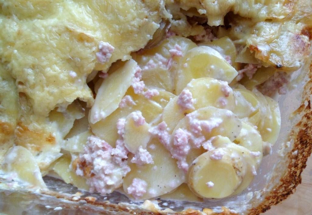 Les crocs du loupinet gratin de pommes de terre au jambon - Gratin de pomme de terre jambon ...