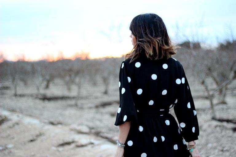 Tendencia lunares -  Rojo - Oysho - Streetstyle - Maria Mainez - Blogger - Alicante