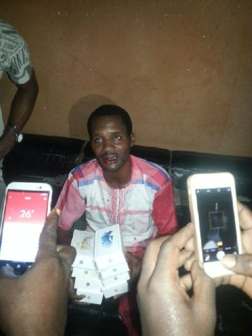 SEUN EGBEBE BEATEN BLUE AND BLACK FOR STEALING 6 IPHONES IN COMPUTER VILLAGE – WHAT TOYIN AIHMAKU DID WILL SHOCK YOU (GRAPHIC PHOTOS)
