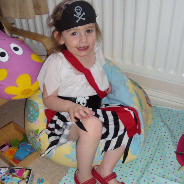 sasha as a pirate