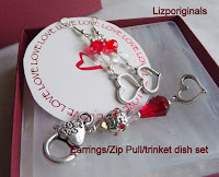 This adorable gift set of beaded heart earrings and matching key ring will make you the star for Valentines day