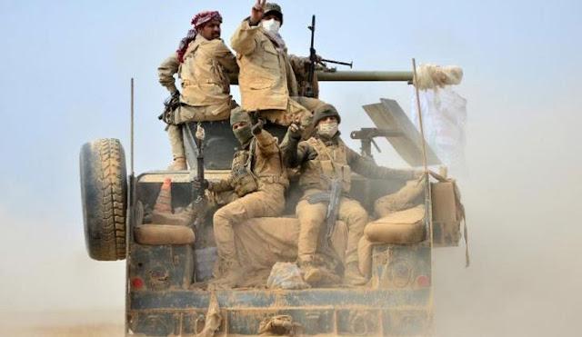 Estado Islâmico matou sete combatentes tribais sunitas que apoiam o governo iraquiano e cinco policiais no sábado em uma cidade ao sul de Mosul