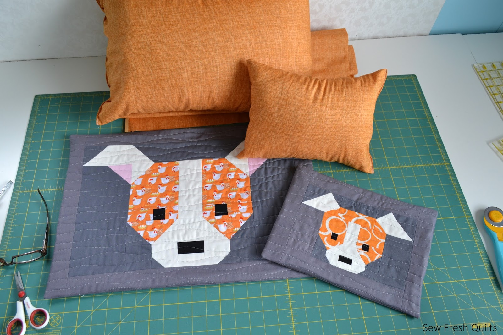 Cute Pillow Ideas To Sew : Sew Fresh Quilts: Dog Gone Cute Zippered Pillows