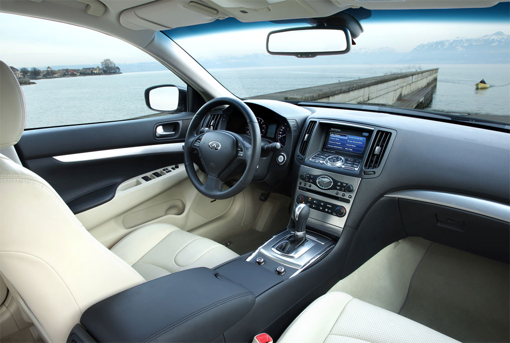 2011 infiniti g37 interior. interior what our g37u0027s gray cabin lacked in finishes it made up for materials quality padded surfaces run all the way down to foot level 2011 infiniti g37 interior