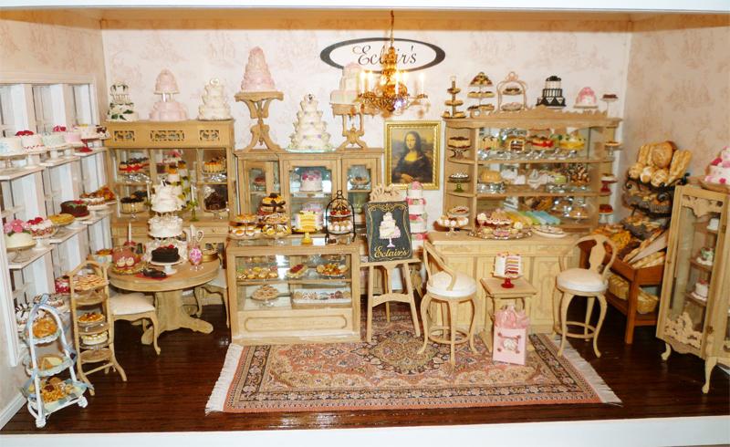 Mini cupcakes | Decorate This  |Miniature Bakeries