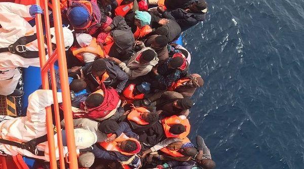 Interceptan a más de 500 migrantes en costas españolas