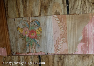 Old wallpaper in a 1930s house
