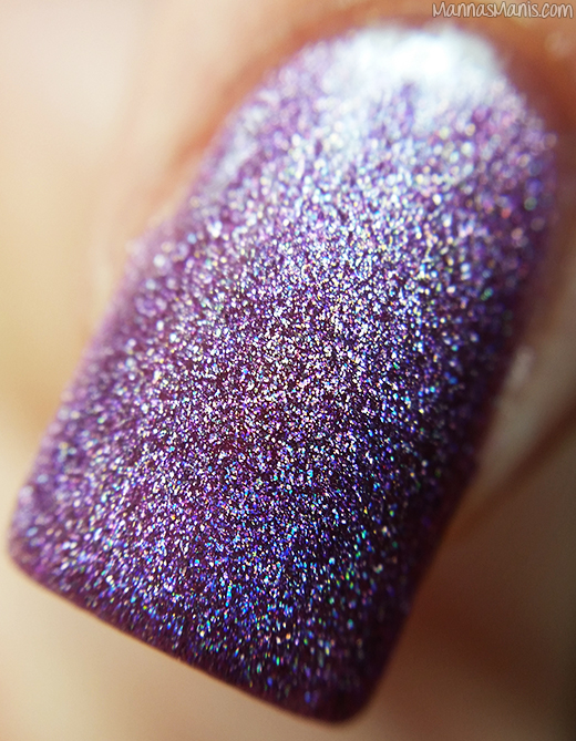 Dynamic Polish Gorgeous Grape macro swatch