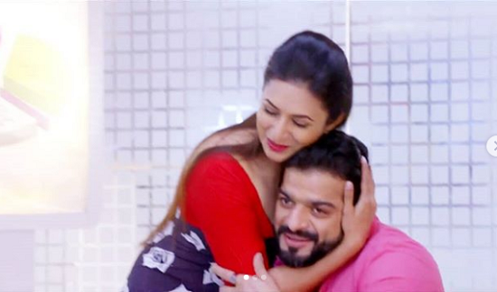 Yeh Hai Mohabbatein 28th September 2018 Written Episode Update: Raman Gets A Big Deal