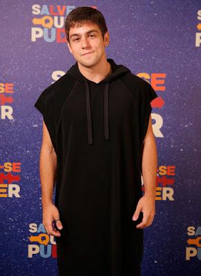 Daniel Rangel ousa em look fashion em evento de lançamento de Salve-se Quem Puder — Foto: Artur Meninea/Gshow