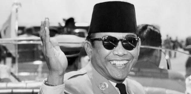 Bung Karno, Misteri Kacamata Tembus Pandang dan Bocornya Dokumen Rahasia