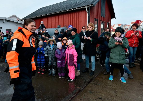 Crown Princess Victoria visited Norden Aquaculture Union and Swedish Sea and Water Management Agency in Sotenäs. Princess wore H&M Blazer