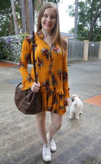 Zaful floral print ruffle hem dress in ginger with LV speedy bandouliere and converse sightseeing theme park outfit | away from blue
