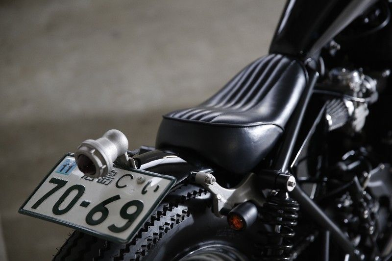 Bonneville t100 rocketgarage cafe racer magazine - Garage peugeot bonneville ...