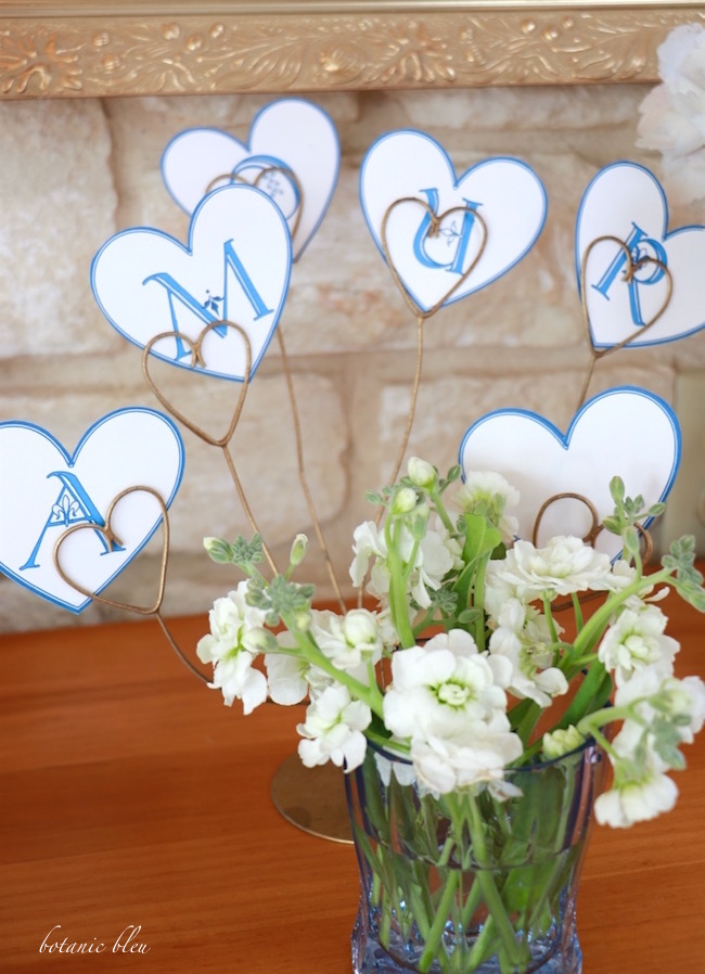 blue-hearts-spell-amour