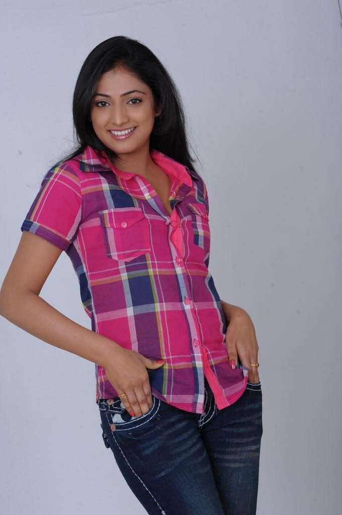 Perfect hot and sexy Hari priya naughty poses in saree