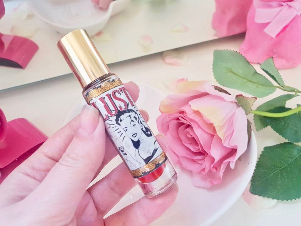 lush lust perfume review