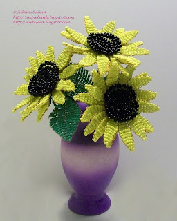 Sunflower out of seed beads and wire