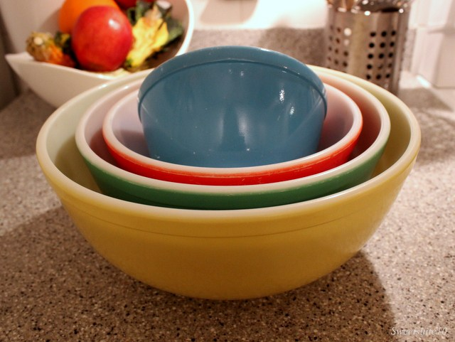 My new colourful Pyrex mixing bowls