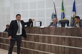 http://vnoticia.com.br/noticia/3329-reviravolta-politica-maxsuel-cocoia-eleito-presidente-da-camara-municipal-de-sfi