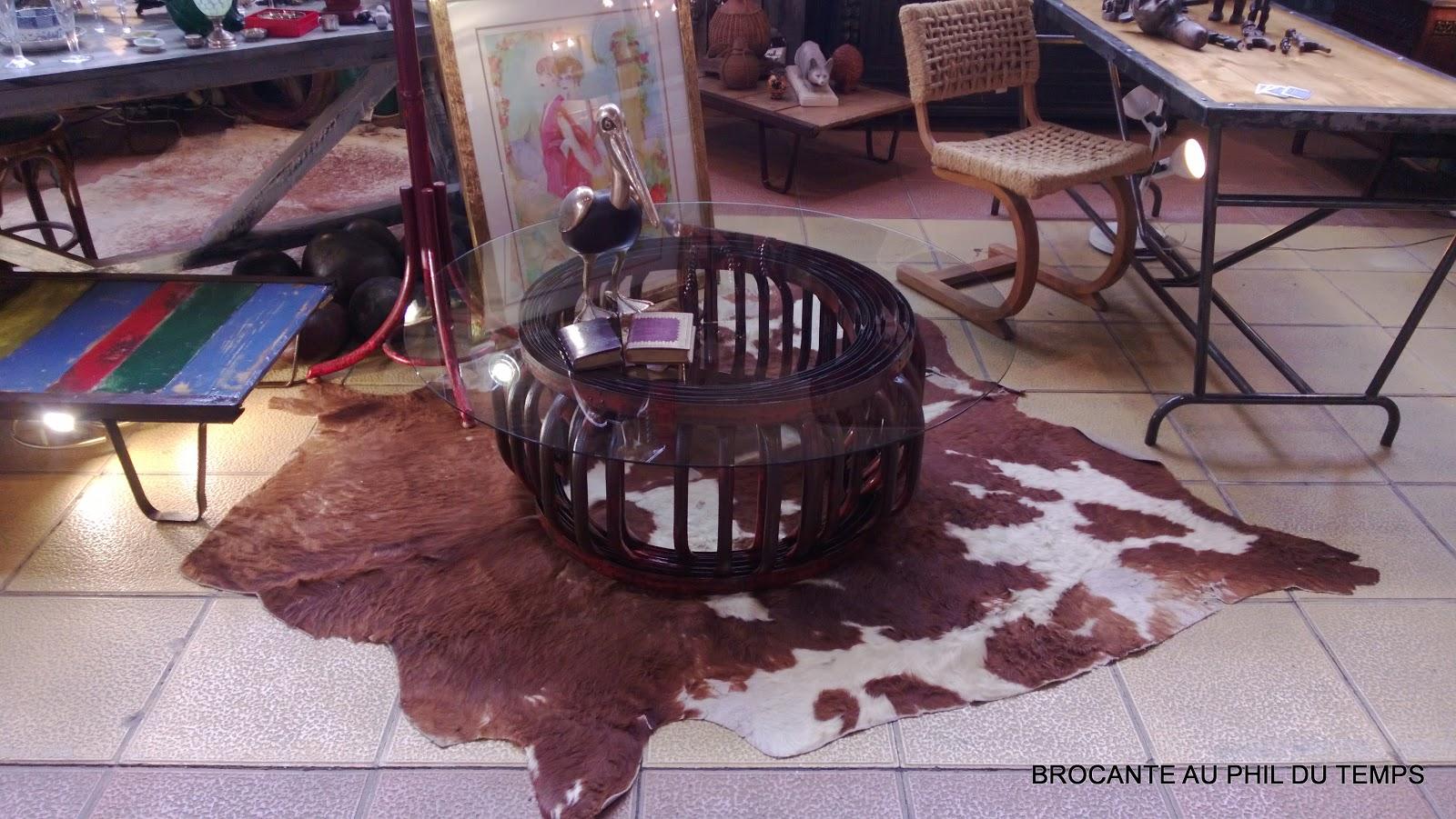 brocante d coration un nouveau monde table basse industrielle chelle de pompier. Black Bedroom Furniture Sets. Home Design Ideas
