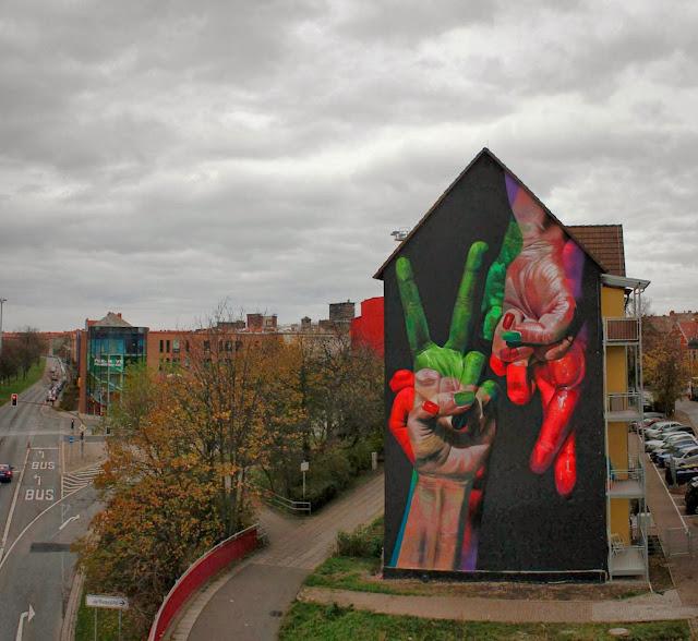 Street Art Mural By German Artist Case On The Streets of Erfurt, Germany. 4