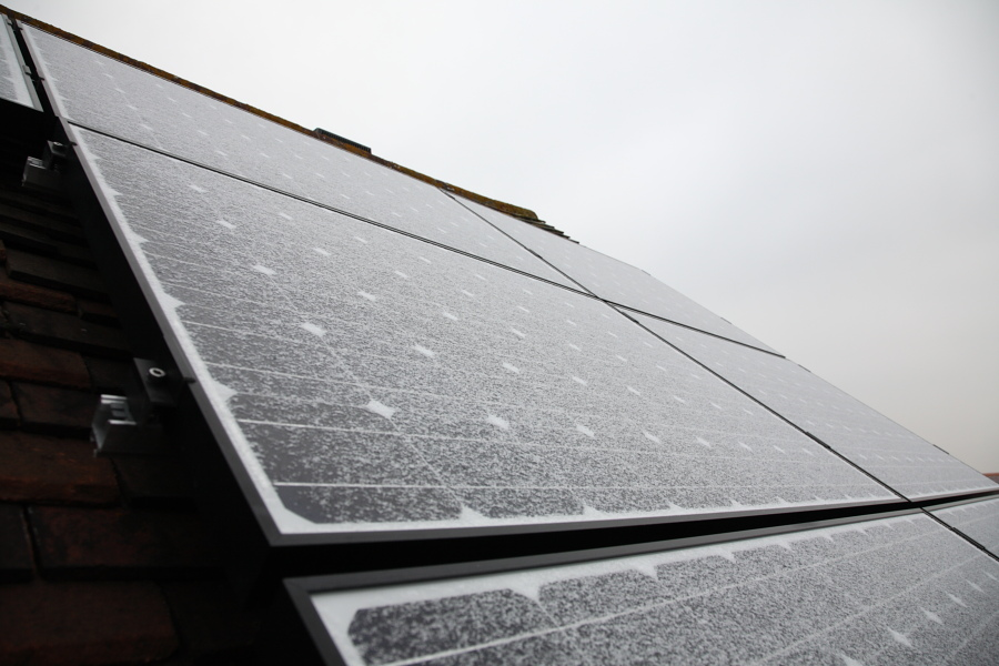 Do solar panel generate power in the winter if it is sunny?