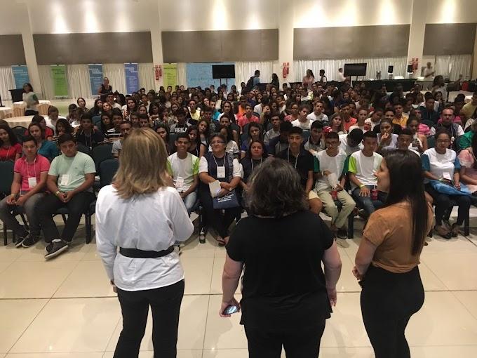 Natal: Instituto Unibanco e SEEC reúnem jovens para discutirem sobre aprendizagem e gestão de escolas públicas