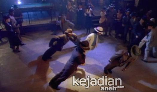 Aksi Anti Gravitasi Michael Jackson