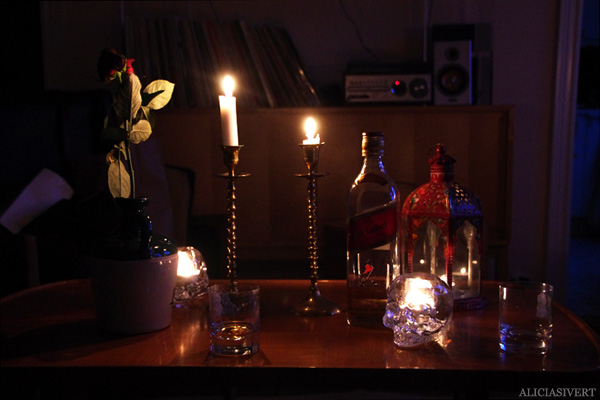 aliciasivert, alicia sivert, alicia sivertsson, whisky, tända ljus, lit candles, stearinljus