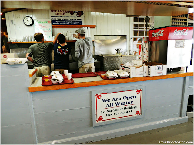 Mostrador del Brown's Lobster Pound, New Hampshire