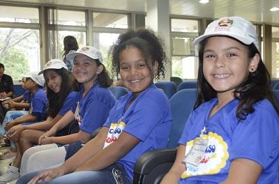 Alunos da Escola Classe 15 de Ceilândia Sul visitam Comando Geral da PMDF