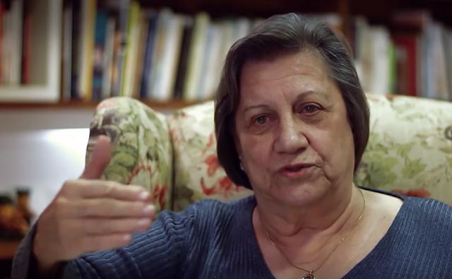"""Nessa entrevista maravilhosa, a doutora Magda Soares fala sobre """"A GUERRA DOS MÉTODOS DE ALFABETIZAÇÃO"""""""