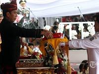 Ternyata Ini yang Dibisikan Jokowi kepada Ruth Pembawa Baki Bendera Pusaka Merah Putih Saat Upacara di Istana