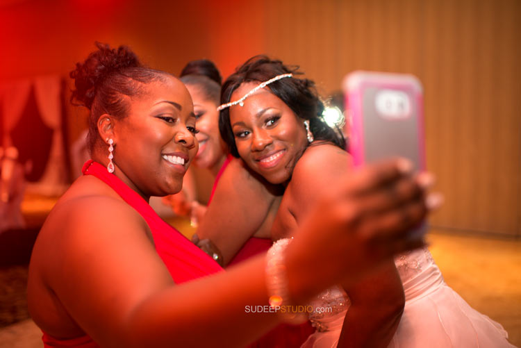 Wedding Selfies Bride in Action - Sudeep Studio.com Ann Arbor Photographer