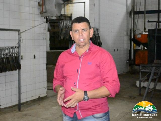 Requerimento do vereador  Daniel Marques que solicita reforma do matadouro de Delmiro Gouveia é protocolado na Câmara