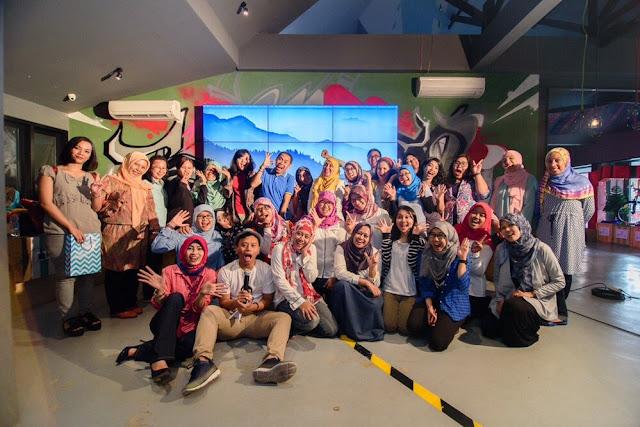 Blogger, Seminar, Network