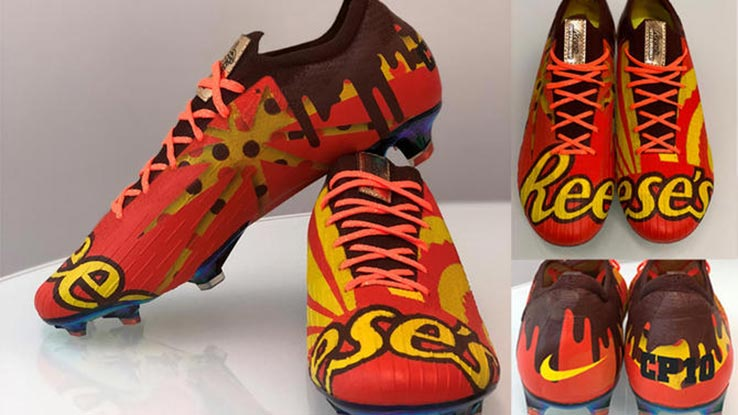2204061f085 Christian Pulisic Receives Custom Chocolate Bar-Inspired Nike Mercurial Boot