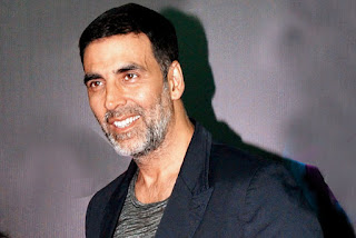 Akshay Kumar detained at airport