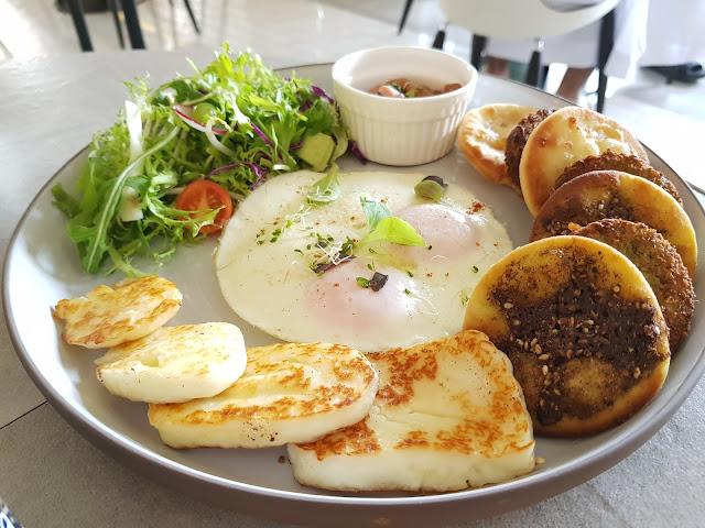 dubai top food bloggers breakfast