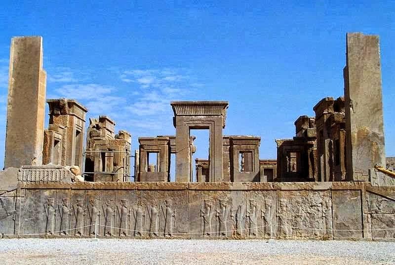 persepolis,iran,wisata iran,kota hilang