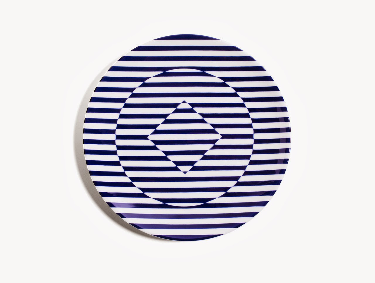 05-Richard-Brendon-Patternity-Reason-Dinnerware-www-designstack-co