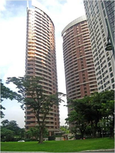 apartment condo for rent the fort bonifacio global city the icon residences 3 bedrooms unfurnished Php 115,000