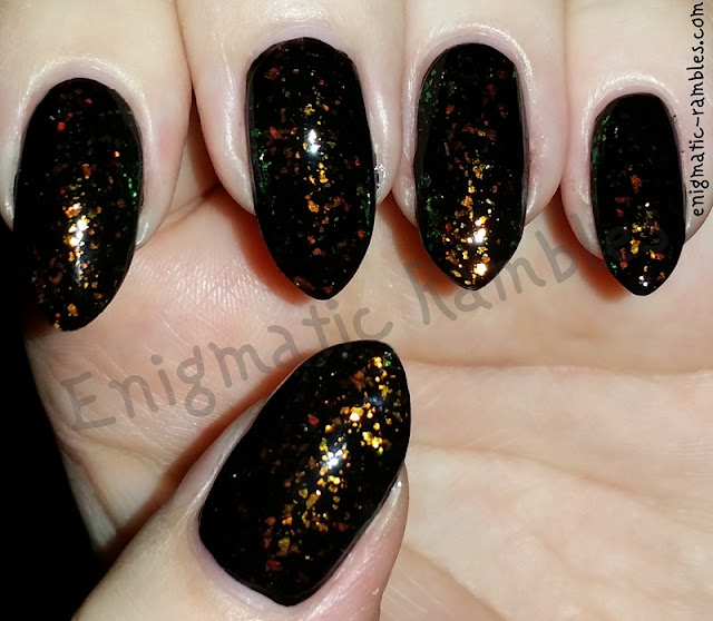 Autumn-Fall-Flakie-Nails-Nail-Art