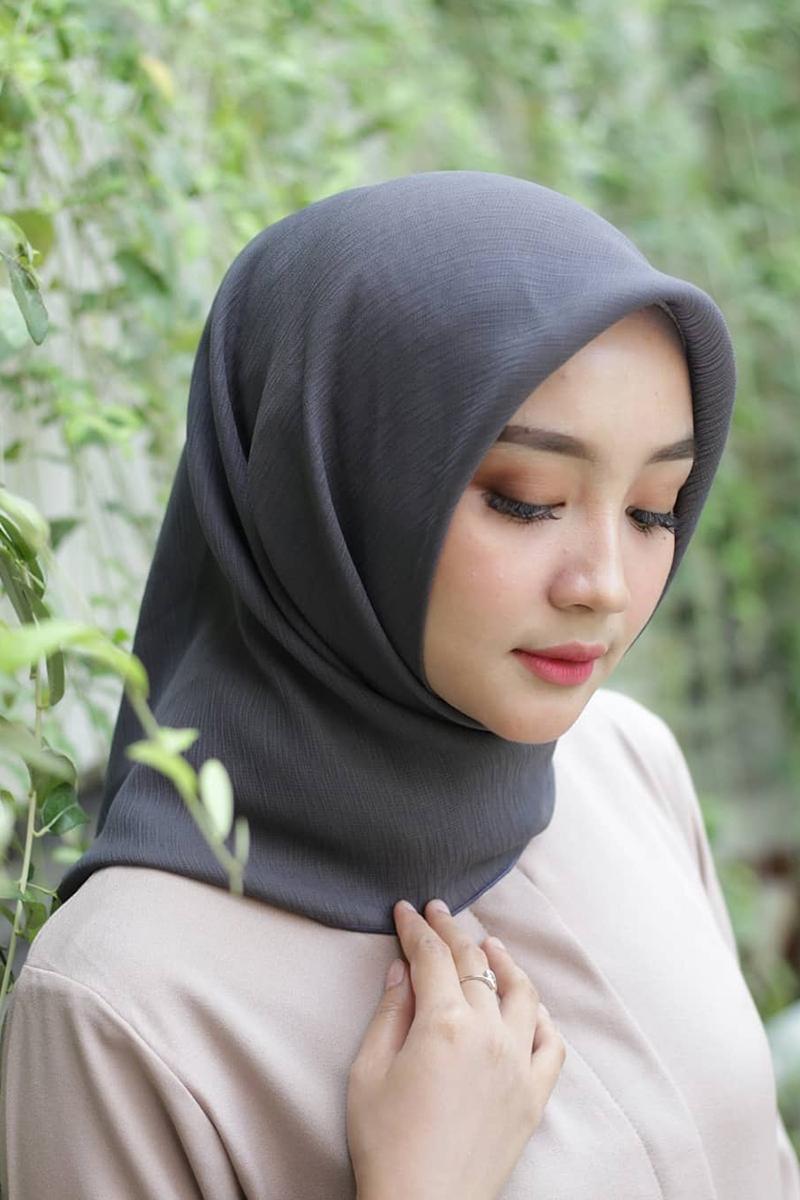 Jilbab Polos dna indah buat baju lebaran tahun 2019