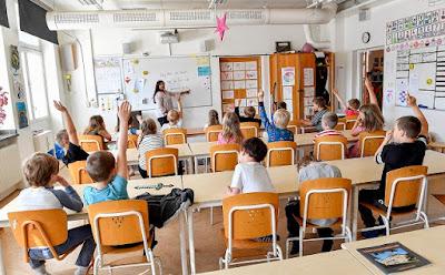 School Status in English 2022
