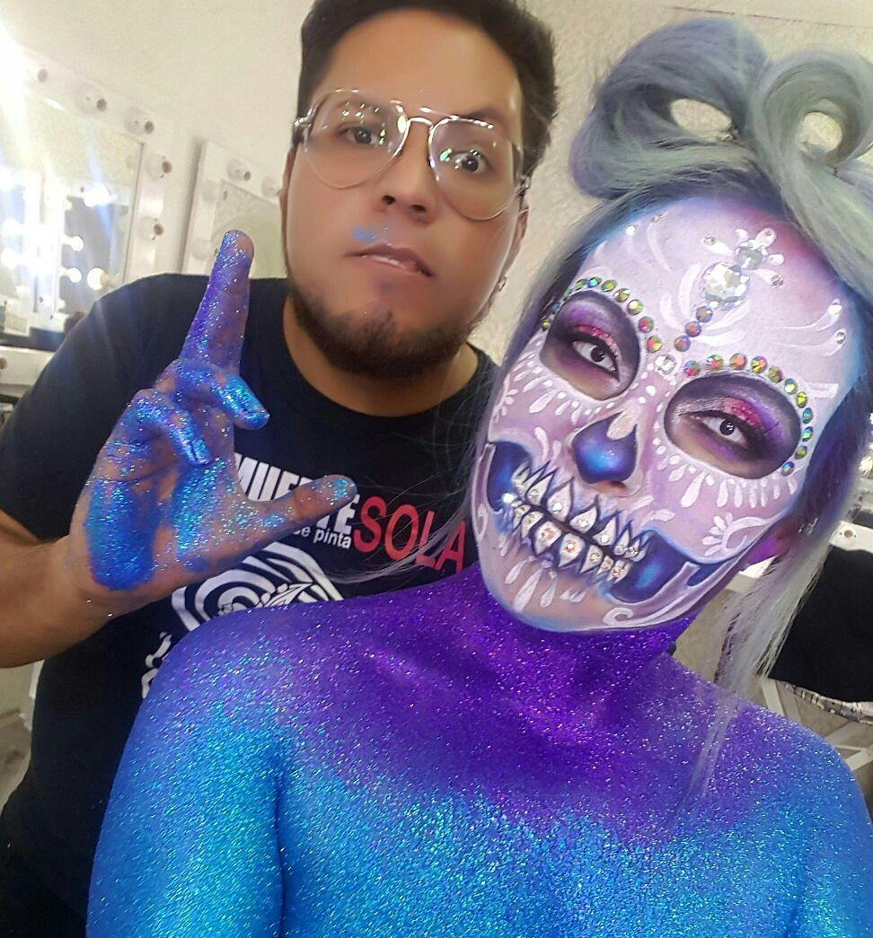 07-Sugar-Skull-Ice-Alexander-Ojodelince-Body-Painting-that-Transforms-you-into-Art-www-designstack-co