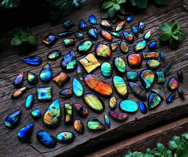 Labradorescence Types of Iridescent Gemstones & Minerals