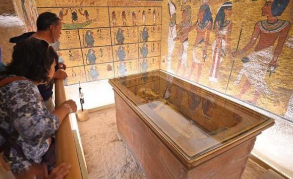 مصر تعيد افتتاح مقبرة توت عنخ آمون في وادي الملوك بمحافظة الأقصر