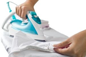 How To Remove Wrinkles From A Silk Dress - Ways to Remove Wrinkles from Silk Dresses